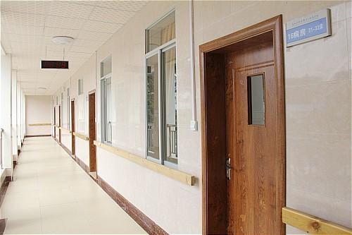 整洁的病房走廊_001.jpg
