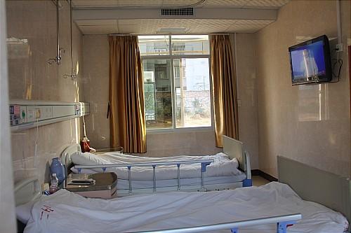 温馨的病房(一)_001.jpg