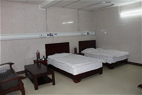 温馨的病房(二)_001.jpg